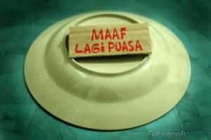 https://iwanblog.files.wordpress.com/2011/08/maaf_lagi_puasa_kompas.jpg?w=300